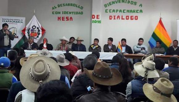 La decisión de la provincia Chumbivilcas se tomó luego de sostener una accidentada mesa de diálogo con representantes de la empresa minera MMG Limited, a cargo de la mina Las Bambas, y funcionarios de la PCM en el distrito de Ccapacm