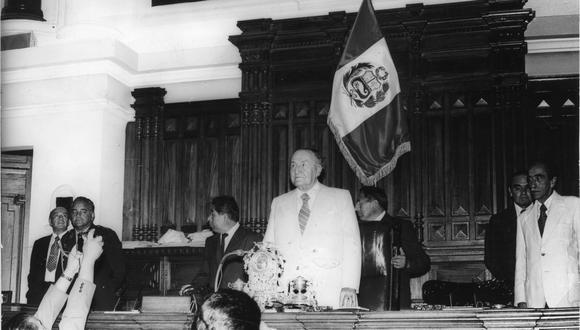 1979. Víctor Raúl Haya de la Torre preside la Asamblea Constituyente. [Foto: Archivo Histórico GEC]