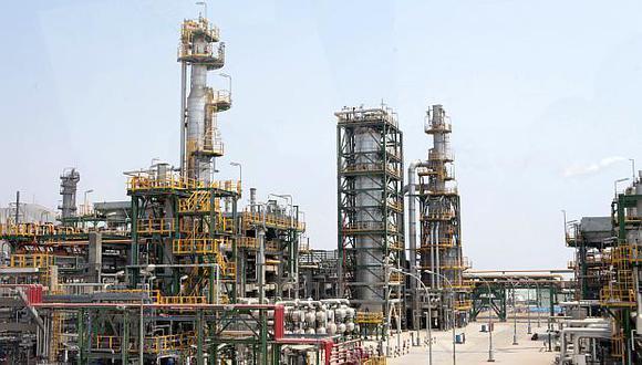 La refinería de La Pampilla, operada por Repsol, tiene una capacidad de producción de 117,000 barriles por día. (Foto: GEC)