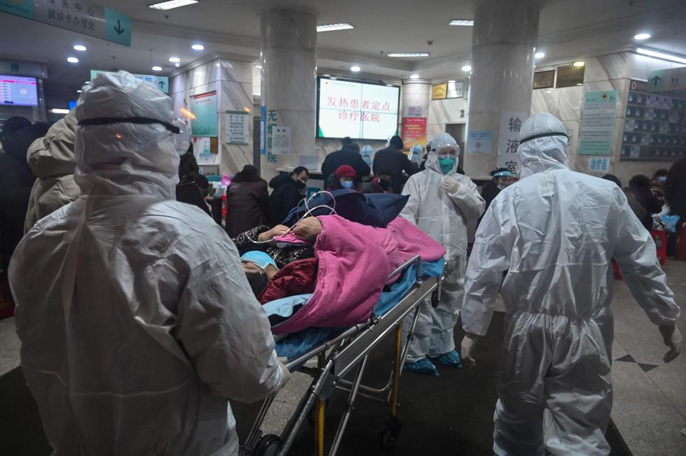 Investigadores de Hong Kong estimaron que el número de casos del virus de Wuhan podría superar los 40.000, por lo que consideraron que los gobiernos deben tomar medidas drásticas para limitar los desplazamientos de la población si quieren detener la propagación de la epidemia. (Foto: AFP)