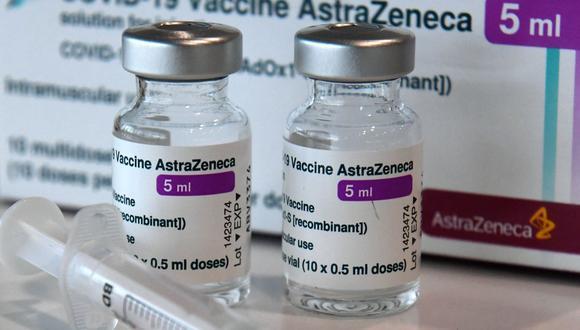 Los frascos con la vacuna AstraZeneca COVID-19 contra el nuevo coronavirus se muestran en el centro de vacunación en Nuremberg, en el sur de Alemania, el 18 de marzo de 2021. (CHRISTOF STACHE / AFP).