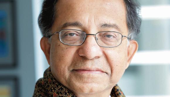 """Kaushik Basu: """"El reto de reducir la pobreza va a ser más duro"""""""