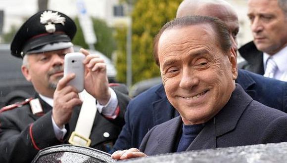 """Berlusconi pagó a mujeres de sus fiestas por """"generosidad"""""""