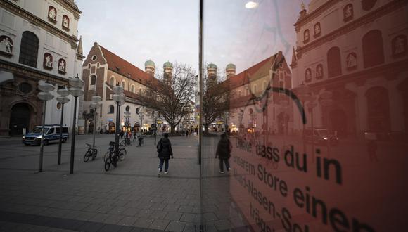 Las casi desiertas calles de Berlín, a raíz de las restricciones para combatir el coronavirus. Imagen de archivo. EFE