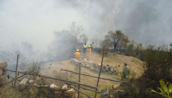 Machu Picchu: incendio forestal aún no se apaga pese a lluvia