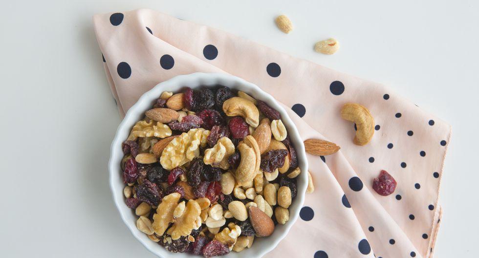Los snacks como los frutos secos ayudan a calmar la ansiedad.