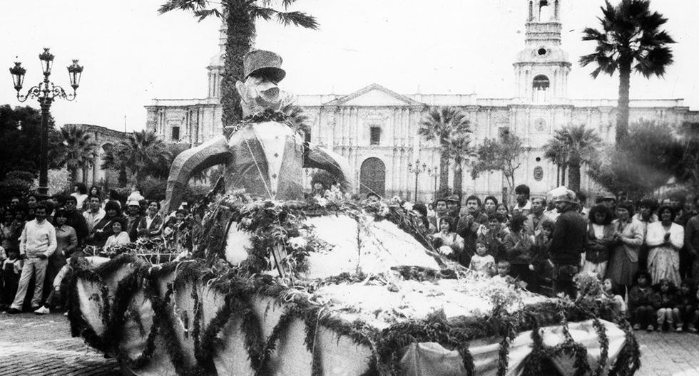 Revive los carnavales de antaño a través de estas postales del Archivo Histórico