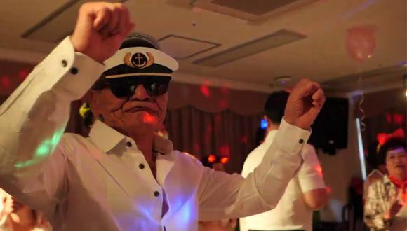Los adultos mayores en Corea del Sur bailan, gozan y se curan al ritmo de la música. (Foto: BBC News en YouTube)