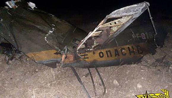 Restos de un helicóptero ruso que fue derribado en Armenia cerca de la frontera con Azerbaiyán.  (Foto: Folleto / Ministerio de Situaciones de Emergencia de Armenia / AFP).
