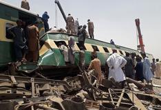 Al menos 40 muertos y numerosos atrapados en el choque de dos trenes en Pakistán
