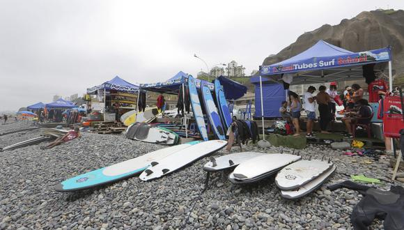 Miraflores publicó ordenanza sobre el uso de espacios públicos para la enseñanza de surf. (Foto: Manuel Melgar)