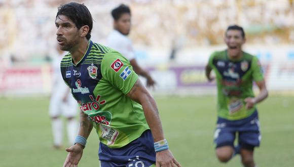 Sebastián Abreu le reveló a DT El Comercio que Sport Boys lo contactó para que dispute el torneo peruano. Incluso le envió un pre-contrato, el cual no firmó porque arregló con Audax Italiano. (Foto: AFP)