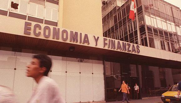 ¿Cómo se liberalizó la economía peruana en la década del 90?