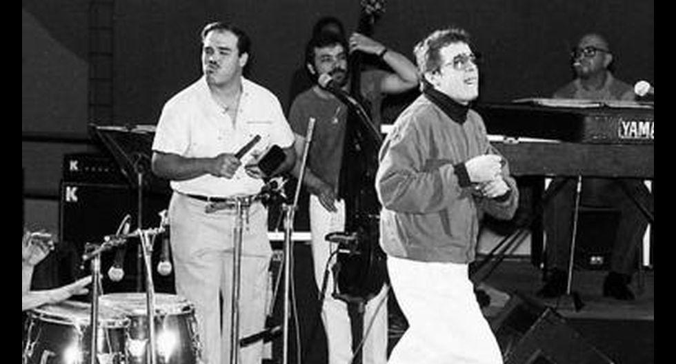 """""""Puede decirse que la historia de la salsa en el Perú se divide en A. L. y D. L.: antes de Lavoe y después de Lavoe. Las seis noches que se presentó a lleno total, ante más de 50 mil personas en la Feria del Hogar, definieron el mito. Para los aficionados a la salsa, para la opinión pública y para otros músicos, esos días fueron el nacimiento de algo completamente nuevo"""", nos dice Eduardo Livia, director de radioelsalsero.com. Para Omar Córdova, creador de las fiestas Descarga, esos días fueron algo absolutamente especial. """"La salsa dejó de ser Willie Colón u Oscar D'León, y empezó a personificarse en Lavoe, un hombre tan del barrio como su público y que, además, vivía las letras de sus canciones""""."""
