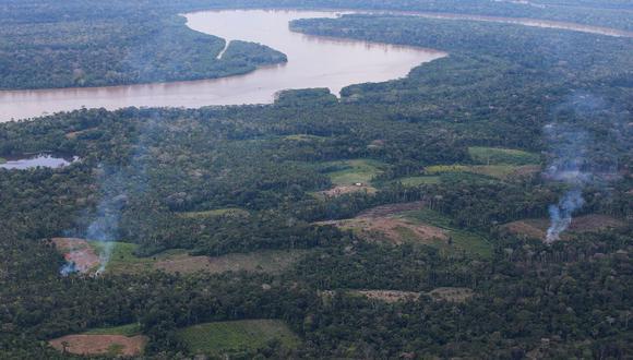 La frontera entre Perú y Colombia tiene más de 1.600 km de largo. Gran parte de la frontera es natural: las aguas del río Putumayo, que le dan dinamismo al comercio en la zona, pero también a actividades ilegales como el narcotráfico. (Foto Archivo: Mindef)