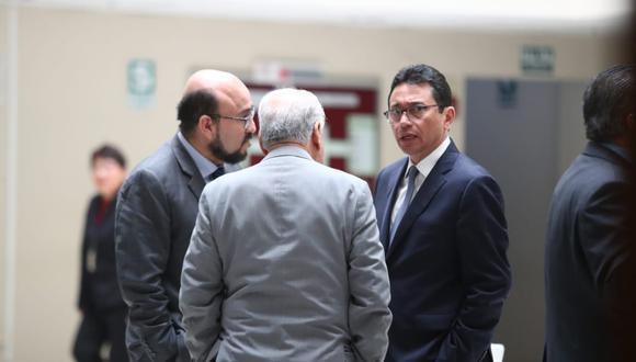 En la imagen: Richard Martin Tirado, quien figura como no habido y Humberto Abanto, hoy en la carceleta del INPE. (Foto: Alessandro Currarino / GEC)