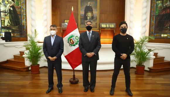 Presidente Sagasti se reunió con líder del Partido Morado. En el encuentro participó también el congresista Daniel Olivares, vocero de dicha bancada (Foto: Presidencia)