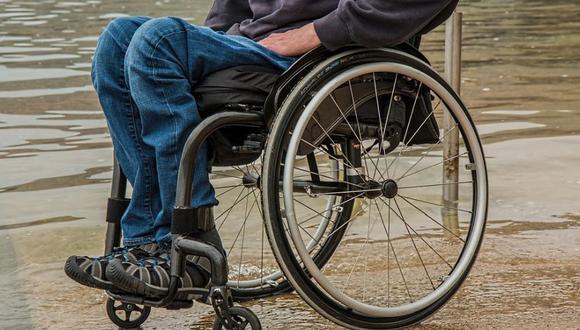 Los investigadores descubrieron que al final del tratamiento la persona con discapacidad fue capaz de realizar una contracción intencional de los músculos de la pierna, lo que le permitió no solo estar de pie, sino también caminar. (Foto: stevepb en Pixabay. Bajo licencia Creative Commons)