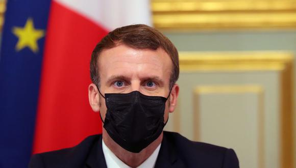 El presidente francés Emmanuel Macron participa en una videoconferencia sobre el brote de coronavirus con miembros del Consejo Europeo en el Palacio del Elíseo en París el 29 de octubre de 2020. (Foto de Thibault Camus / POOL / AFP).