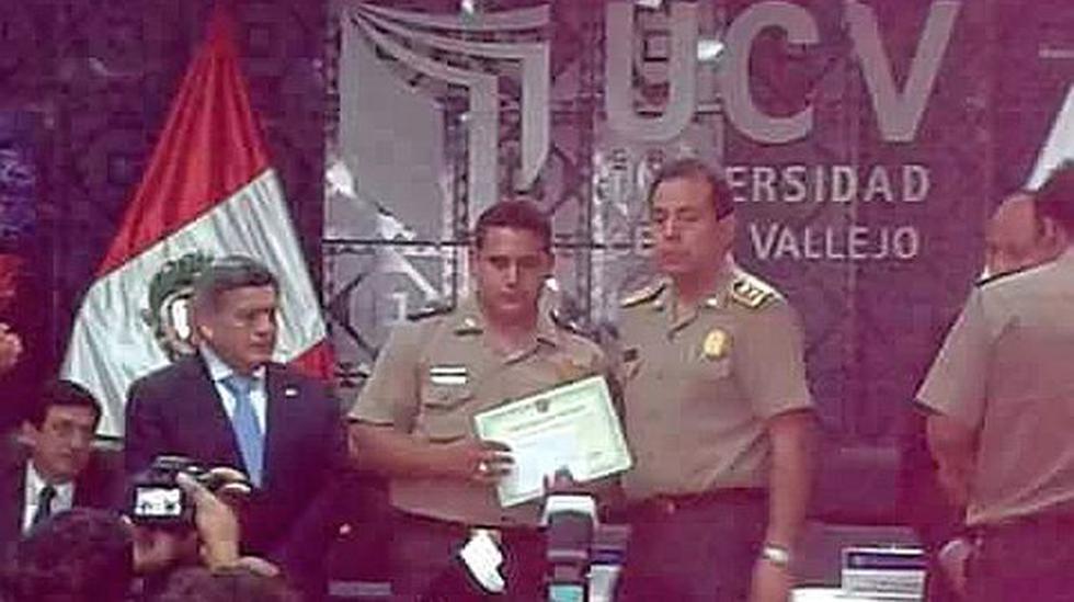 Policía que integró banda del 'Cojo Mame' recibió distinciones - 2