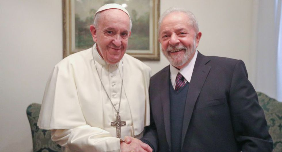 El expresidente Luis Inácio Lula da Silva durante un encuentro con el Papa Francisco este jueves en la Ciudad del Vaticano (Vaticano). (Foto: EFE).