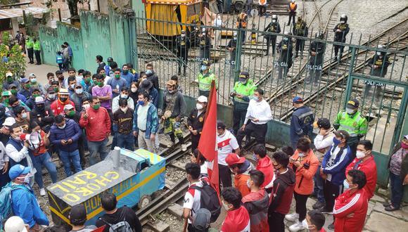 Población de Santa Teresa, Machu Picchu y Cusco iniciaron las manifestaciones desde anoche como protesta a cambio de sede de mesa técnica. (Foto: Melissa Valdivia)