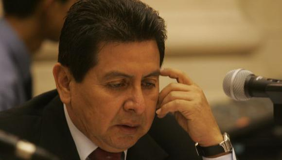 """Congresista José León dijo que """"LIC"""" lo llamaba diputado (Foto: Juan Ponce/ Archivo El Comercio)."""