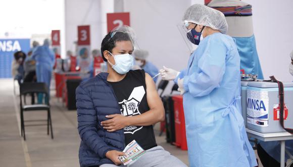El total de ciudadanos inmunizados con dos dosis es de 8.726.357. (Foto: Britanie Arroyo / @photo.gec)