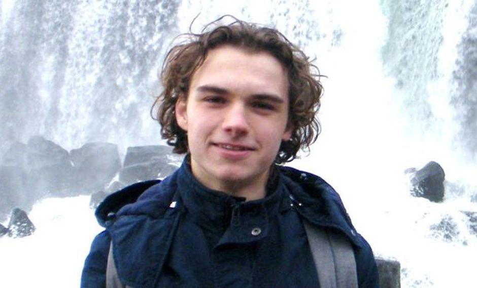 Owen Carey estaba celebrando su cumpleaños 18 cuando murió. (PA Media, vía BBC Mundo).