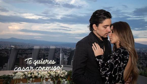 Alex Fernández le enseñó a sus seguidores cómo sorprendió a su novia Alexia. (Foto: Instagram / @alexfernandez.g).