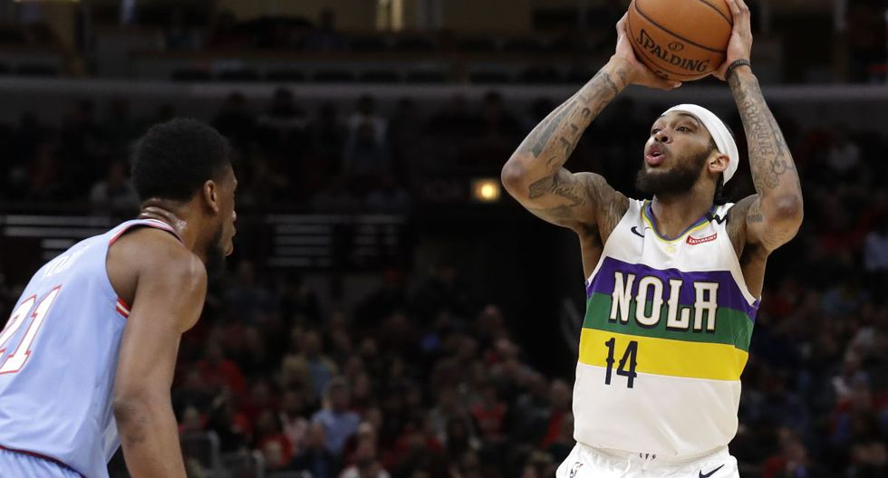 New Orleans Pelicans forward Brandon Ingram shoots against Chicago Bulls forward Thaddeus Young during the first half of an NBA basketball game in Chicago, Thursday, Feb. 6, 2020. (AP Photo/Nam Y. Huh)