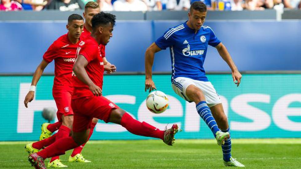 Twente de Renato Tapia no podrá jugar torneos internacionales - 2