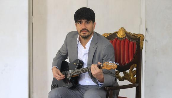 Nicolás Duarte presentará su primer disco como solista este sábado 26 en La Casa del Auxilio en Cercado de Lima. [Foto: Jessica Vicente]