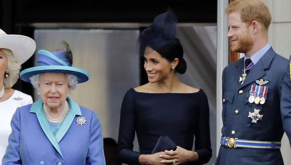 La reina Isabel II dio a conocer su posición frente a la mudanza a Canadá de Meghan Markle y el príncipe Harry. (Foto: AFP)