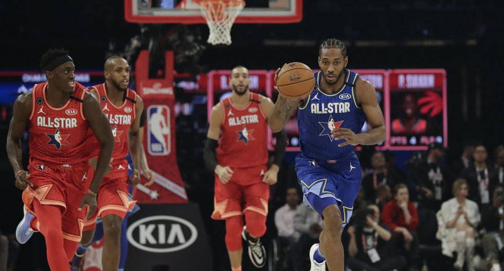 Kawhi Leonard of the Los Angeles Clippers drives during the first half of the NBA All-Star basketball game Sunday, Feb. 16, 2020, in Chicago. (AP Photo/Nam Huh)