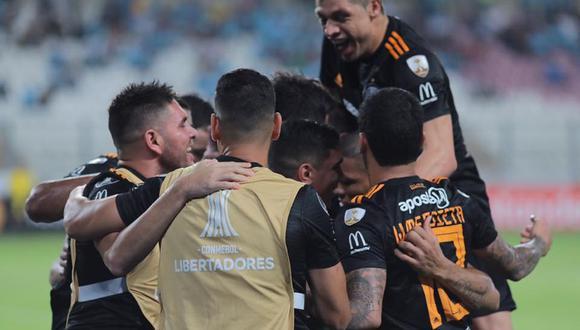 Olimpia se impuso con categoría por 3-0 al Sporting Cristal en el partido de cierre de la tercera jornada de la fase de grupos. (Foto: AFP)