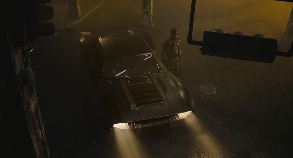 "El director de ""The Batman"" dejó ver a través de su cuenta de Twitter tres fotos del nuevo 'batimóvil'. (Foto: Twitter / Matt Reeves)"
