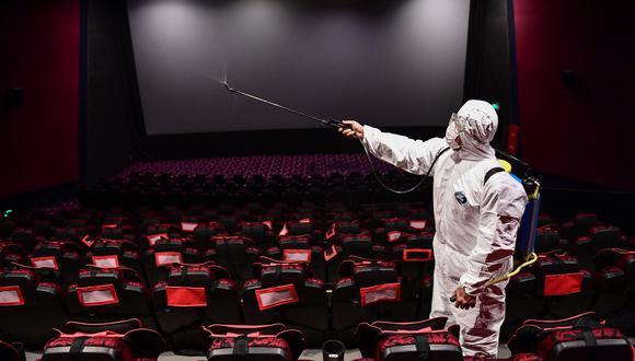 Cadenas de cines y Universal Studios se enfrentan por los estrenos en internet. (Foto: AFP)