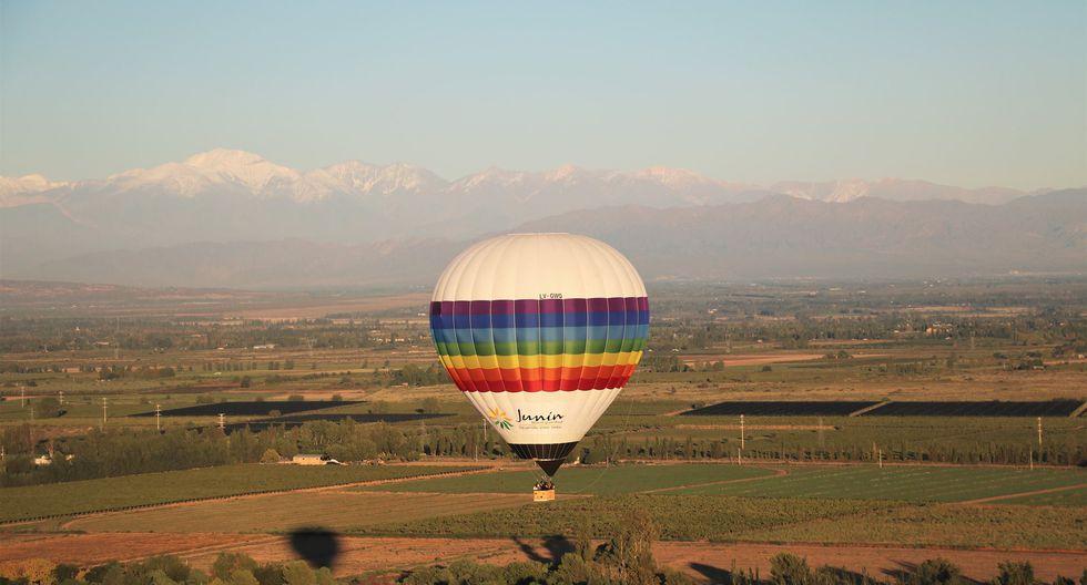 Mendoza Ballons sobrevuela por una hora los viñedos de esta ciudad argentina.Precio: US$50. (Foto: Difusión)