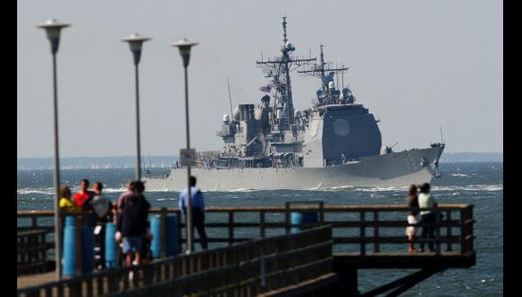 Mueren dos personas en tiroteo en una base naval de EE.UU.