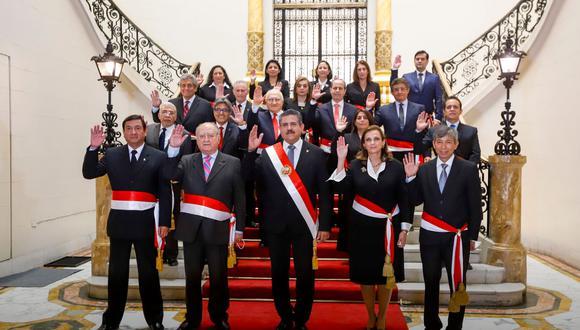 El expresidente del Congreso juramentó a su Gabinete el jueves 12 de noviembre.