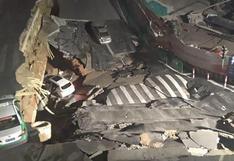 China: un agujero de gran tamaño se abrió en plena carretera y se 'tragó' a dos vehículos | Video