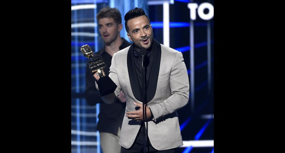 "Billboard 2018. Luis Fonsi, ganador del premio Top Canción hot 100 por ""Despacito"". (Foto: Agencias)"