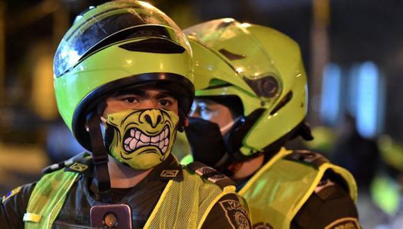 Como en otros países, la policía ha tenido que jugar un rol clave para mantener el aislamiento social en la pandemia. (Foto: AFP).