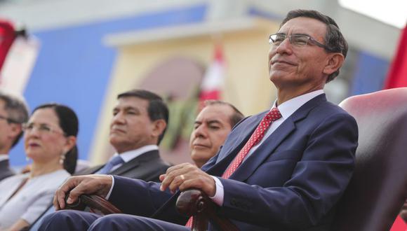 El mandatario Martín Vizcarra participó en la juramentación del nuevo presidente de la ANGR, Servando García Correa. (Foto: Presidencia)