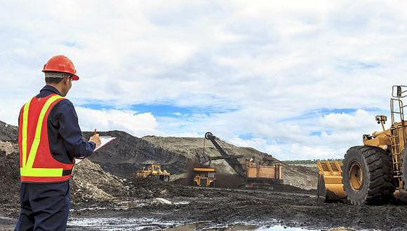 La SNMPE prevé la salida del proyecto Quellaveco este año. (Foto: USI)