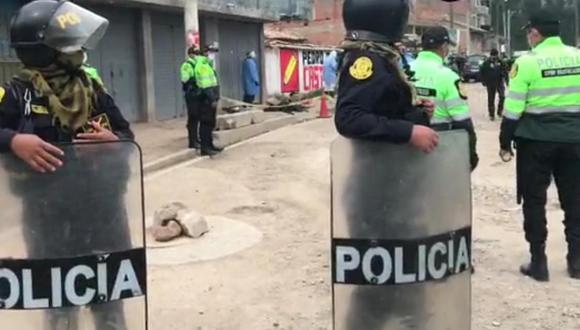 Los agentes de la comisaría cercaron el lugar para continuar con las investigaciones del caso. (Foto: difusión)
