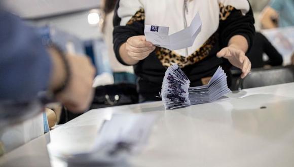 Los chilenos elegirán a 13 de los 16 gobernadores regionales en segunda vuelta, luego de que solo tres (Valparaíso, Aysén y Magallanes) obtuvieran mayoría a mediados de mayo. (Getty Images).