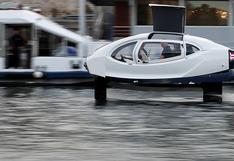 Crean un barco eléctrico que se eleva sobre el agua con alas de hidrodeslizador