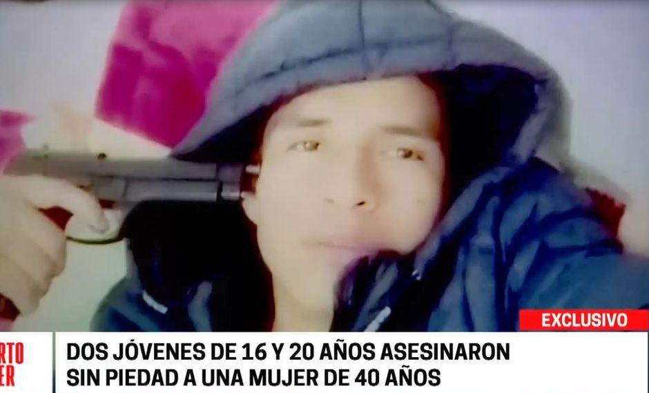 Deprincri de San Juan de Miraflores, siguió el rastro de Roy Caldas Matías y encontró fotografías en la que posa con un arma. (Captura: Cuarto Poder)